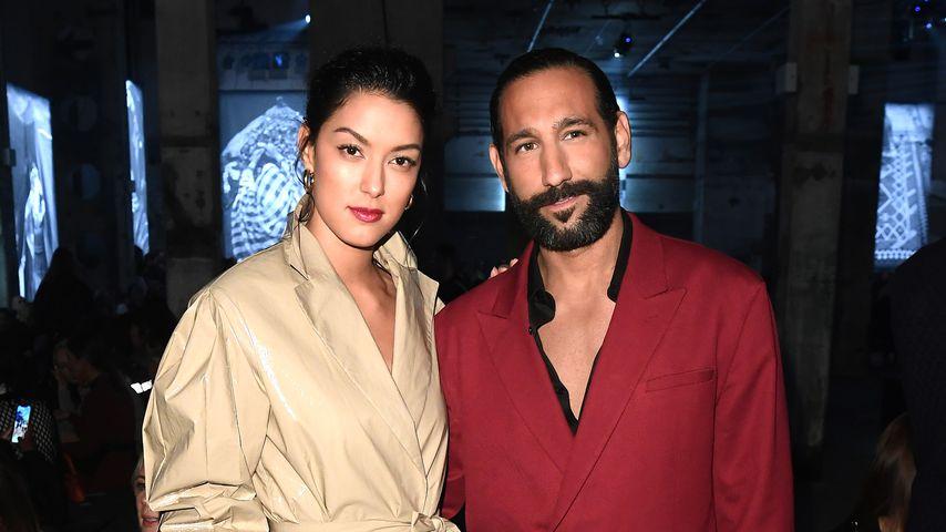 Rebecca Mir und Massimo Sinató bei der Nobi Talai-Show im Rahmen der Berlin Fashion Week