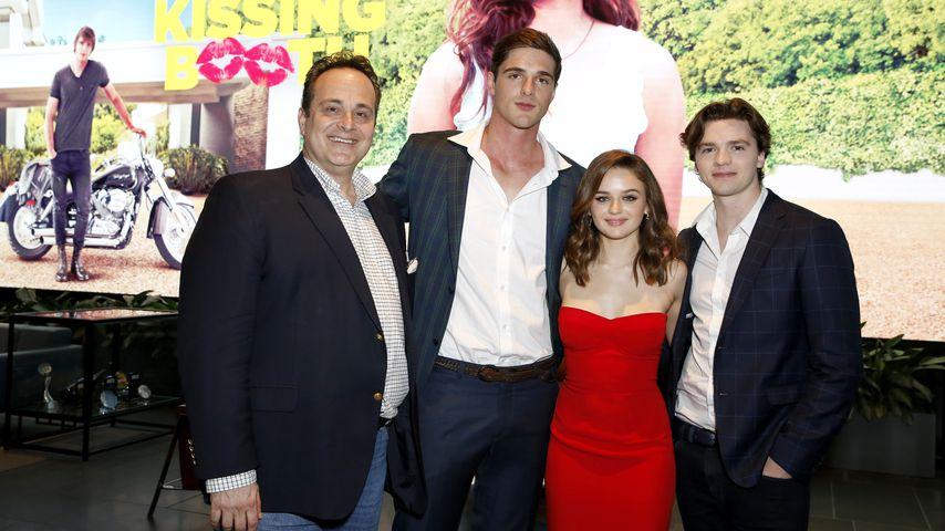 Regisseur Vince Marcello, Jacob Elordi, Joey King und Joel Courtney im Mai 2018
