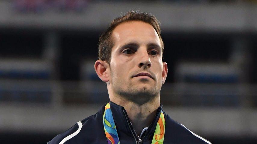 Renaud Lavillenie mit seiner Olympia-Silbermedaille