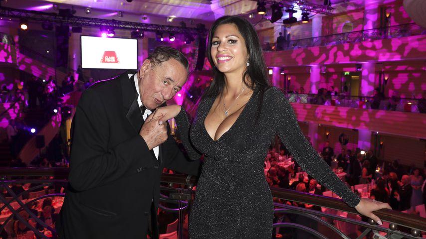 """Richard Lugner und Nina """"Bambi"""" Bruckner auf dem Deutschen Filmball"""