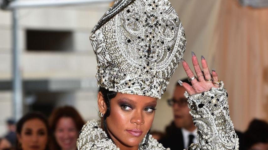 Rihanna als Glitzer-Päpstin bei der Met Gala 2018