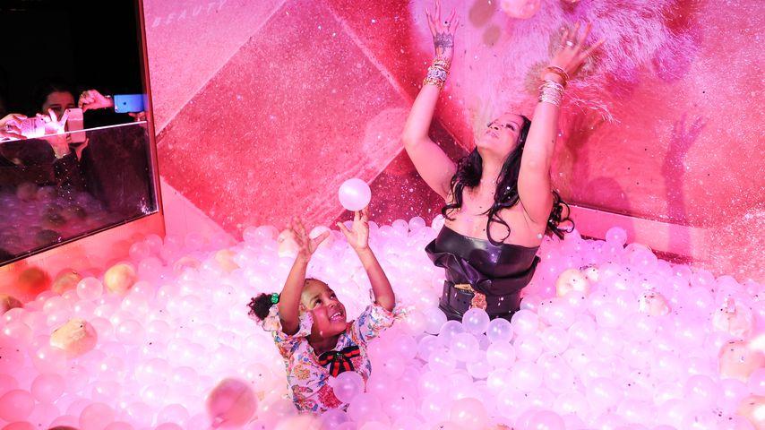 """Rihanna und ihre Nichte Majesty beim Launch der """"Fenty Beauty by Rihanna""""-Kollektion"""
