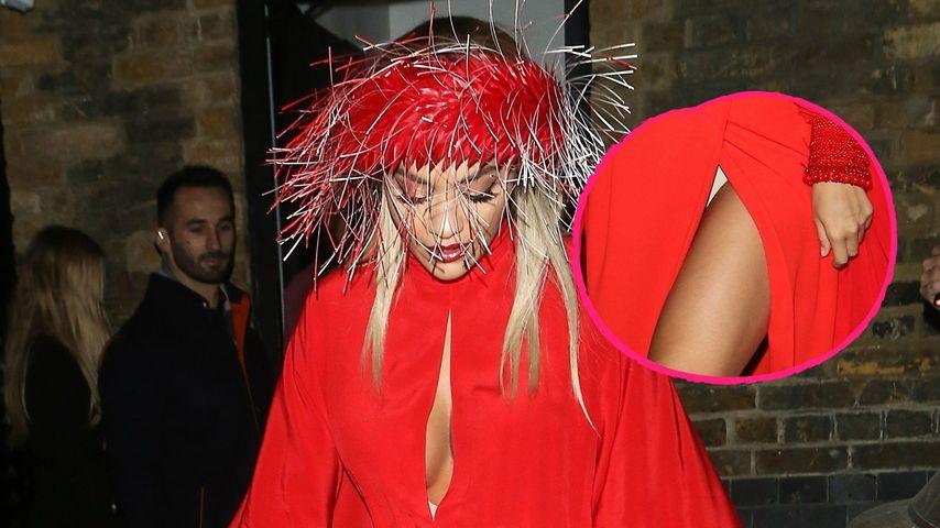 Slip-Blitzer und Kopfschmuck: Fashion-Fail bei Rita Ora?