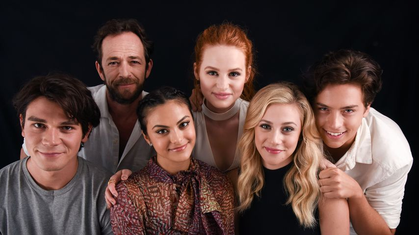 """Riverdale""-Cast, K.J. Apa, Luke Perry, Camila Mendes, Madelaine Petsch, Lili Reinhart und Cole Spro"