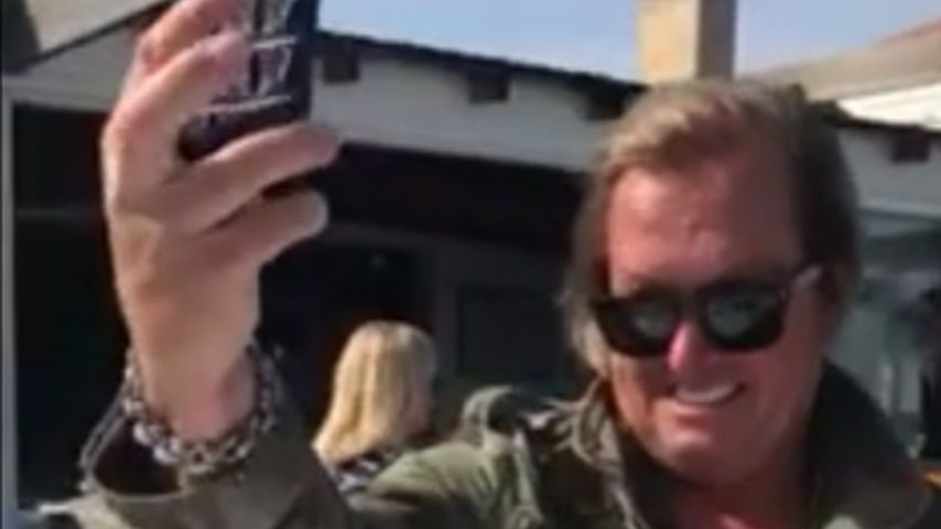 1. Selfie-Versuch: Robert Geiss bekommt's nicht richtig hin