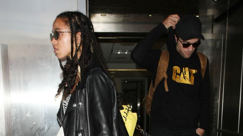 Robert Pattinson und FKA Twigs am Flughafen von Los Angeles