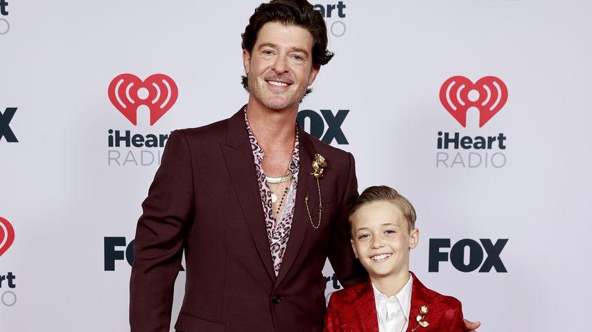 Putzig: Robin Thicke posiert mit Sohn (11) auf Red Carpet