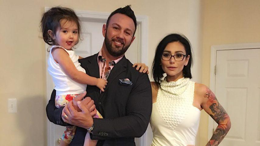 Roger Mathews und Jennifer Farley mit Tochter Meilani
