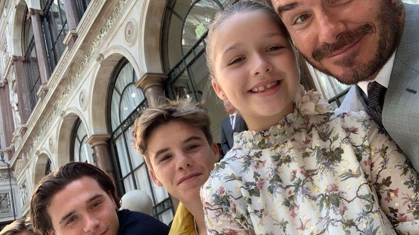 Vic Beckhams Fashionshow: So unterstützt sie ihre Familie!