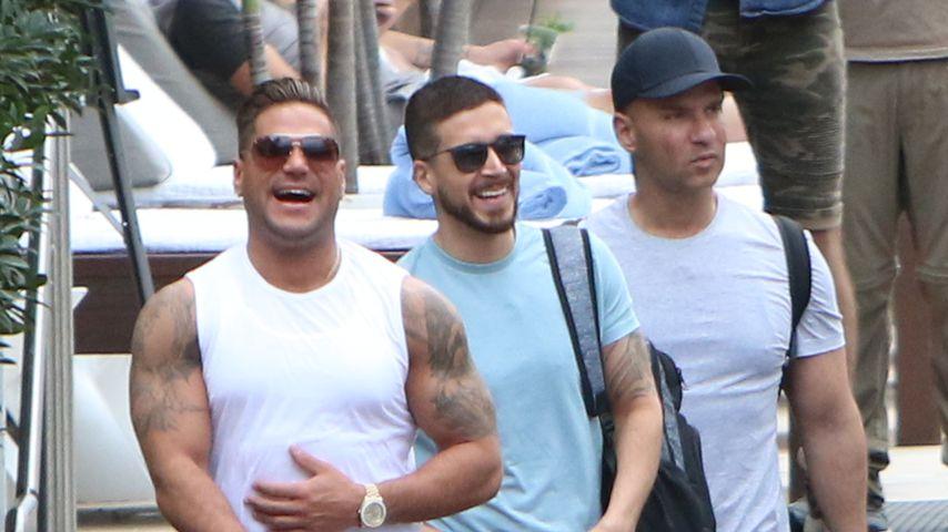 """Ronnie Ortiz-Magro, Pauly D und Mike Sorrentino bei den Dreharbeiten zu """"Jersey Shore"""" in Miami"""