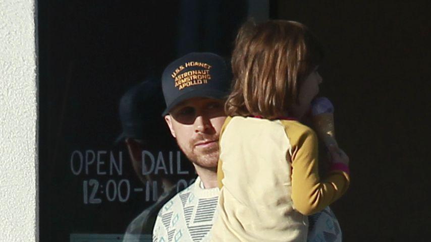 Ryan Gosling mit Töchterchen Esmeralda