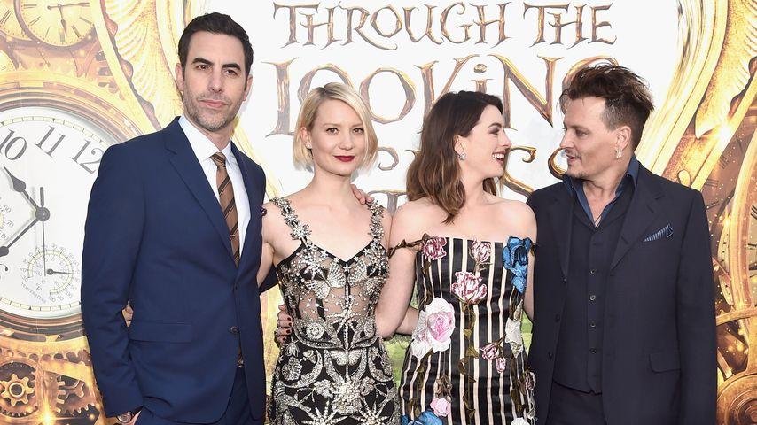 Johnny Depp, Anne Hathaway, Sacha Baron Cohen und Mia Wasikowska