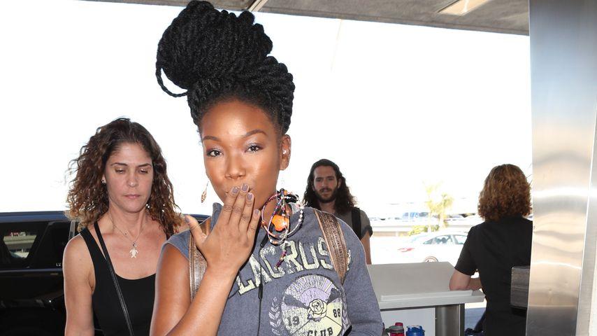 Brandy am Flughafen in Los Angeles, Oktober 2017