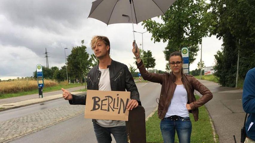 Persönlicher Schirm-Service: Samu Haber hat's geschafft!