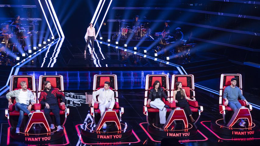 """The Voice""-Coaches battlen sich mit Songs um Kandidatin"