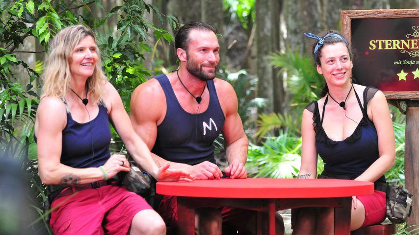 Sandra Kiriasis, Bastian Yotta und Leila Lowfire im Dschungelcamp