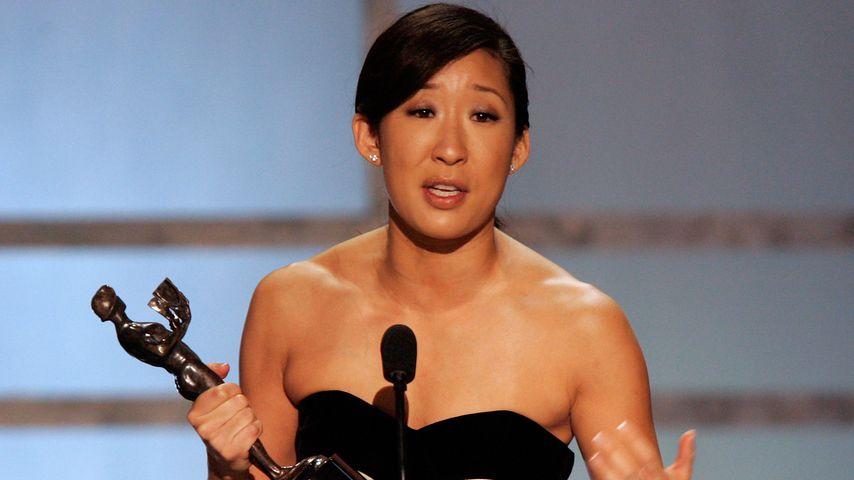 """Sandra Oh gewinnt einen SAG-Award in der Kategorie """"Beste Schauspielerin in einer Drama Serie"""", 2006"""