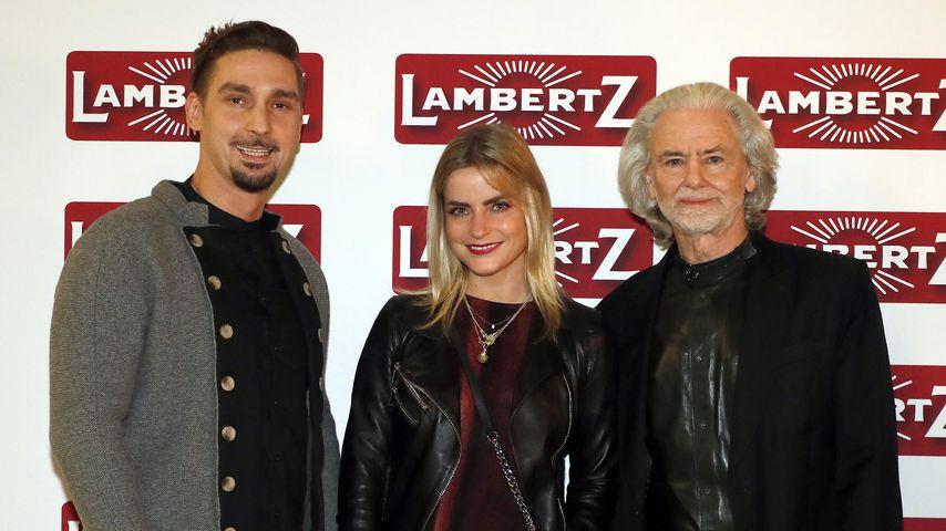 Sandy Fähse mit Begleitung und Lambertz-Eigentümer Hermann Bühlbecker