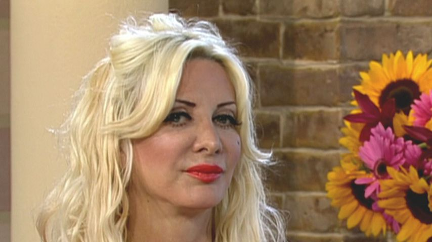 Botox Barbie Sarah Burge aus US-Show geworfen!