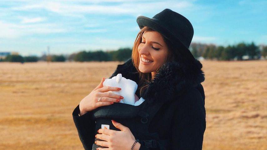 8 Wochen alte Mia Rose: Sarah Harrison ganz sentimental