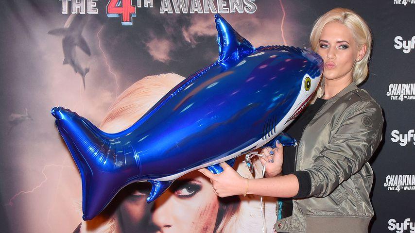 """Sarah Knappik bei der Premiere von """"Sharknado 4"""""""