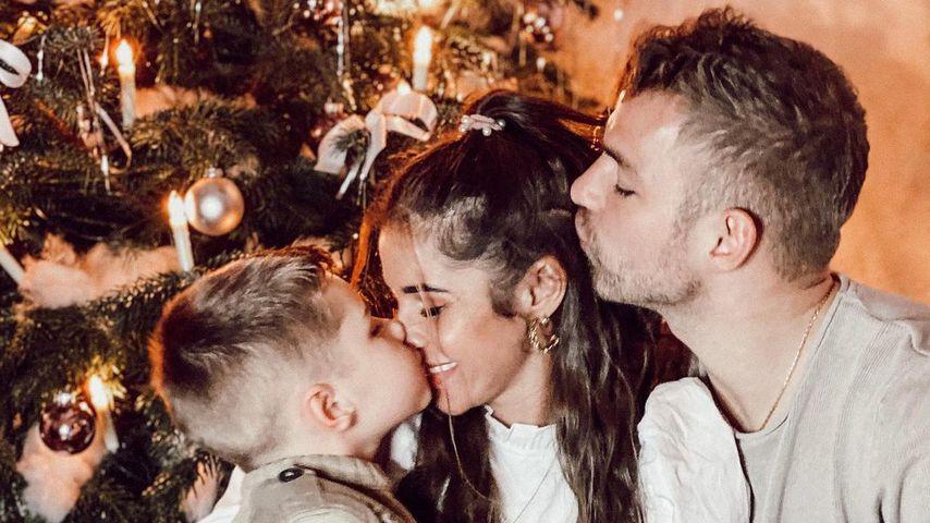 Sarah Lombardi mit ihrem Sohn Alessio und ihrem Verlobten Julian Büscher