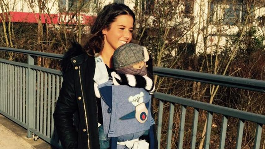 Sexy-Mama: Sarah Lombardi trägt Alessio im Laufsteg-Look!