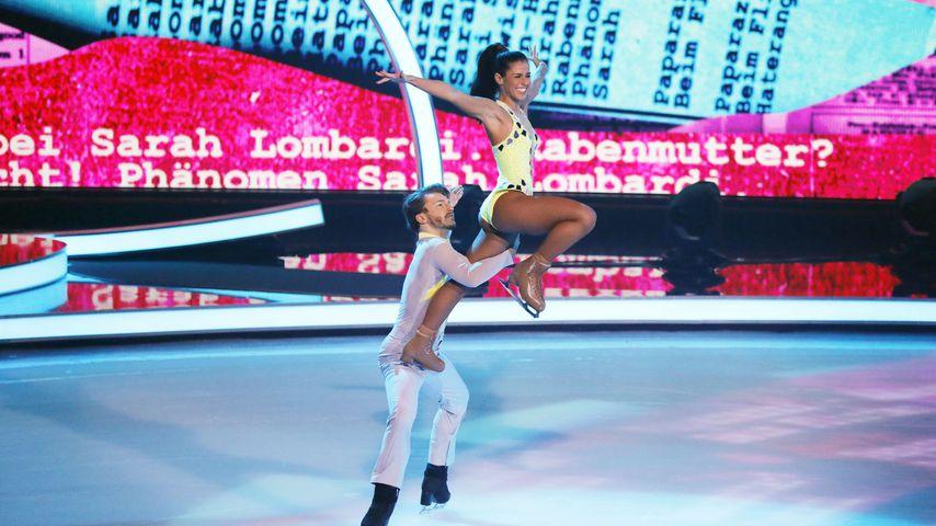 "Sarah Lombardi und Joti Polizoakis in der zweiten ""Dancing on Ice""-Livesendung"