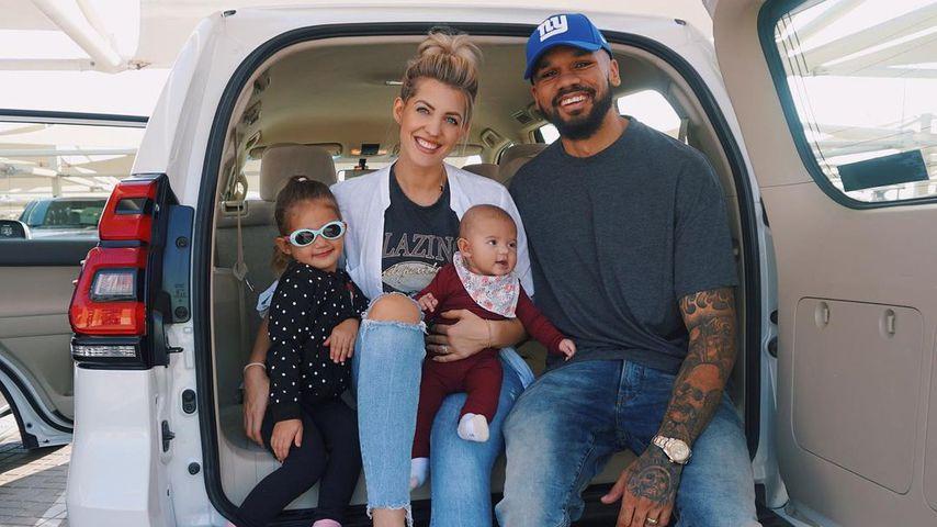 Sarah und Dominic Harrison mit ihren Töchtern Mia Rose und Kyla