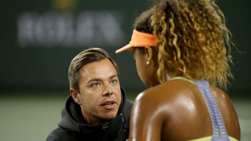 Sascha Bajin und Naomi Osaka bei einem Tennisturnier in Kalifornien