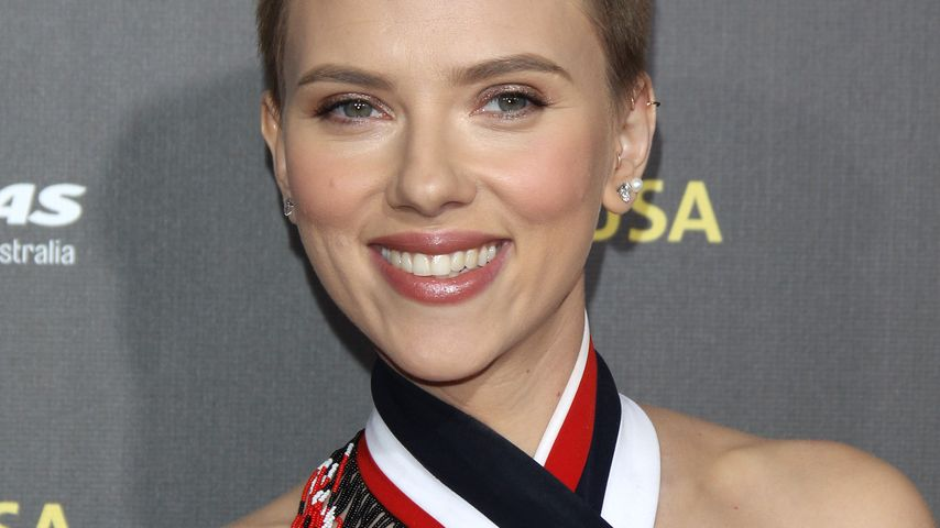 """Neue Girlband: Scarlett Johansson ist nun """"Single"""""""