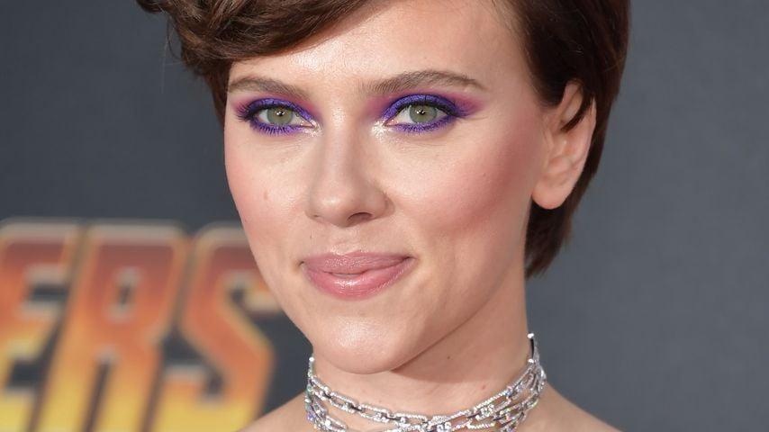 Hot! Scarlett Johansson zeigt sich im Ledercatsuit