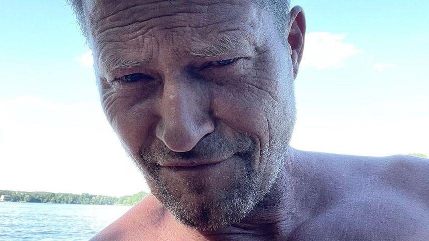 """Alter Falter"": Fans feiern Til Schweigers Lachfalten-Selfie"