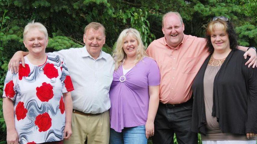 Marios Mutter Anita, Vater Horst, Kandidatin Karen, Junggeselle Mario und Susanne