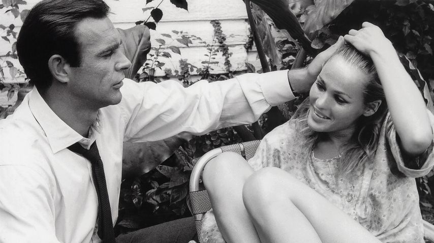 "Sean Connery und Ursula Andress in ""James Bond – 007 jagt Dr. No"""