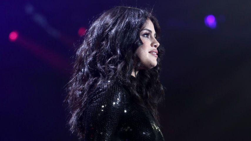Bekannte Selfie-Pose: Selena Gomez imitiert Kylie Jenner