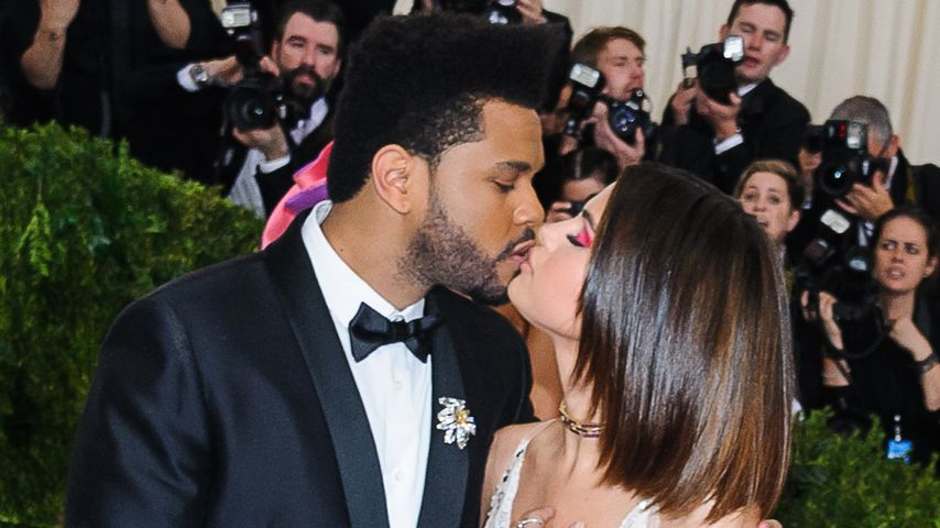 Selena Gomez und The Weeknd auf dem Red Carpet in New York