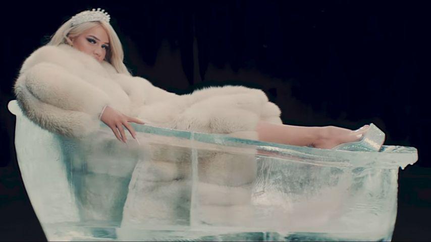 """Shirin David in ihrem Musikvideo zu """"Ice"""""""