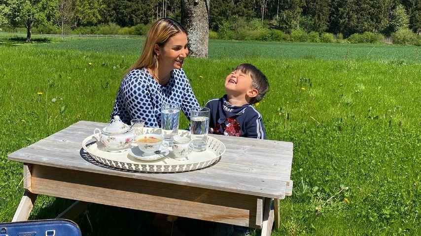 Sila Sahin, Schauspielerin mit Sohn Elija