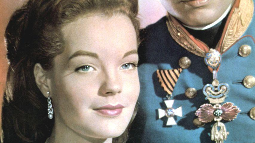 """Sissi (Romy Schneider) und Franz Joseph (Karlheinz Böhm) in """"Sissi"""""""