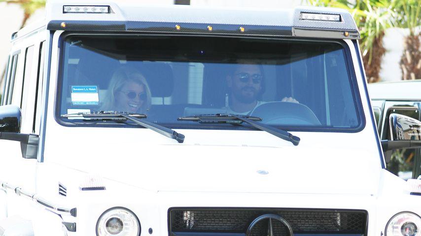 Sofia Richie und Scott Disick in einem Auto in Beverly Hills