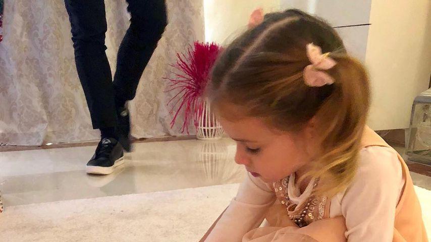 Mini-Carrie Bradshaw: Sophia Cordalis hat schon hohe Schuhe