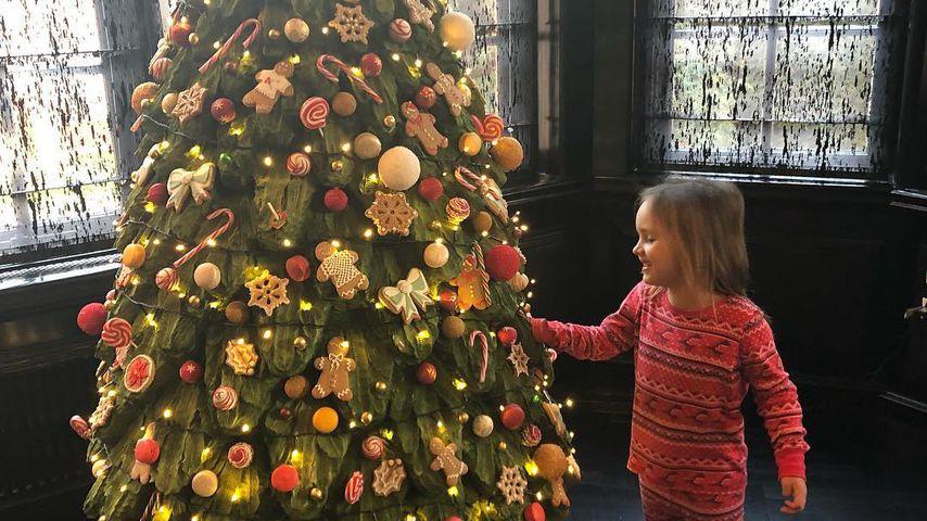 Sophia Ecclestone-Rutland und ihr Weihnachtsbaum