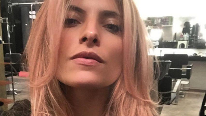Neue Nuance: Sophia Thomalla mit sexy rosa Haarpracht
