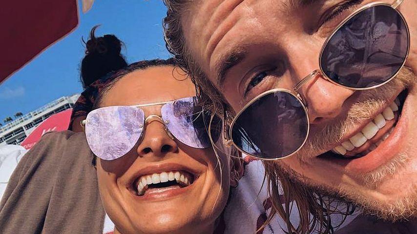 Ultra-glücklich: Sophia Thomalla mit Schatz Loris im Urlaub