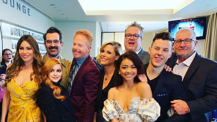 "Sophia Vergara mit ihren ""Modern Family""-Kollegen, Mai 2019"