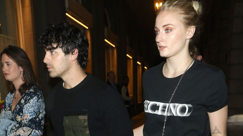 Sophie Turner und Joe Jonas auf dem Weg zum Dinner in London