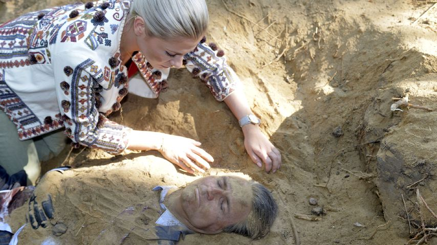 Sunny (Valentina Pahde) rettet ihren Opa Jo Gerner (Wolfgang Bahro)
