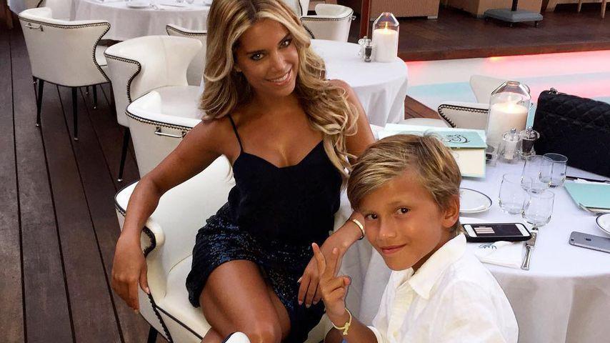 Viel nackte Haut: Darf Sylvies Sohn ihre Dessous-Show sehen?