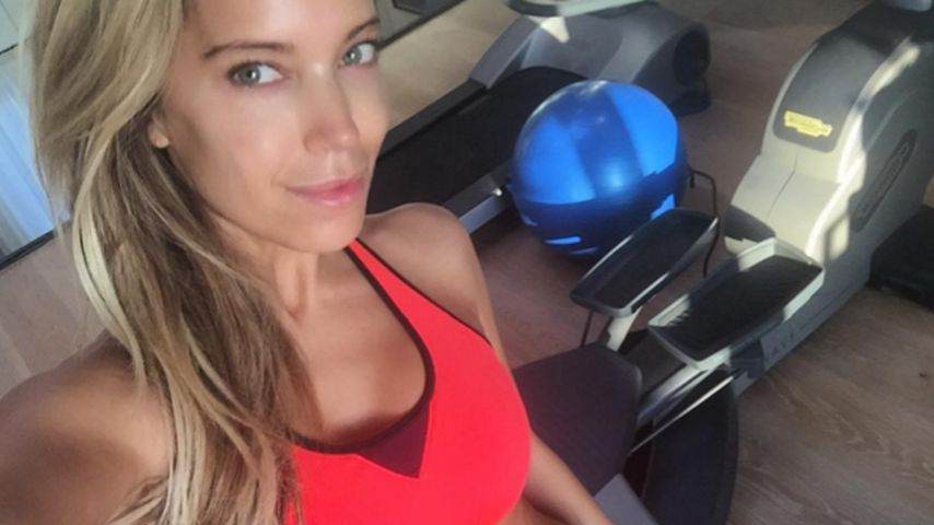 Sexy Bauchfrei-Training: Sylvie Meis beim Morgen-Work-out